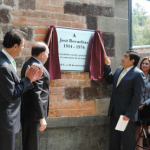 Develan placa en honor a José Revueltas