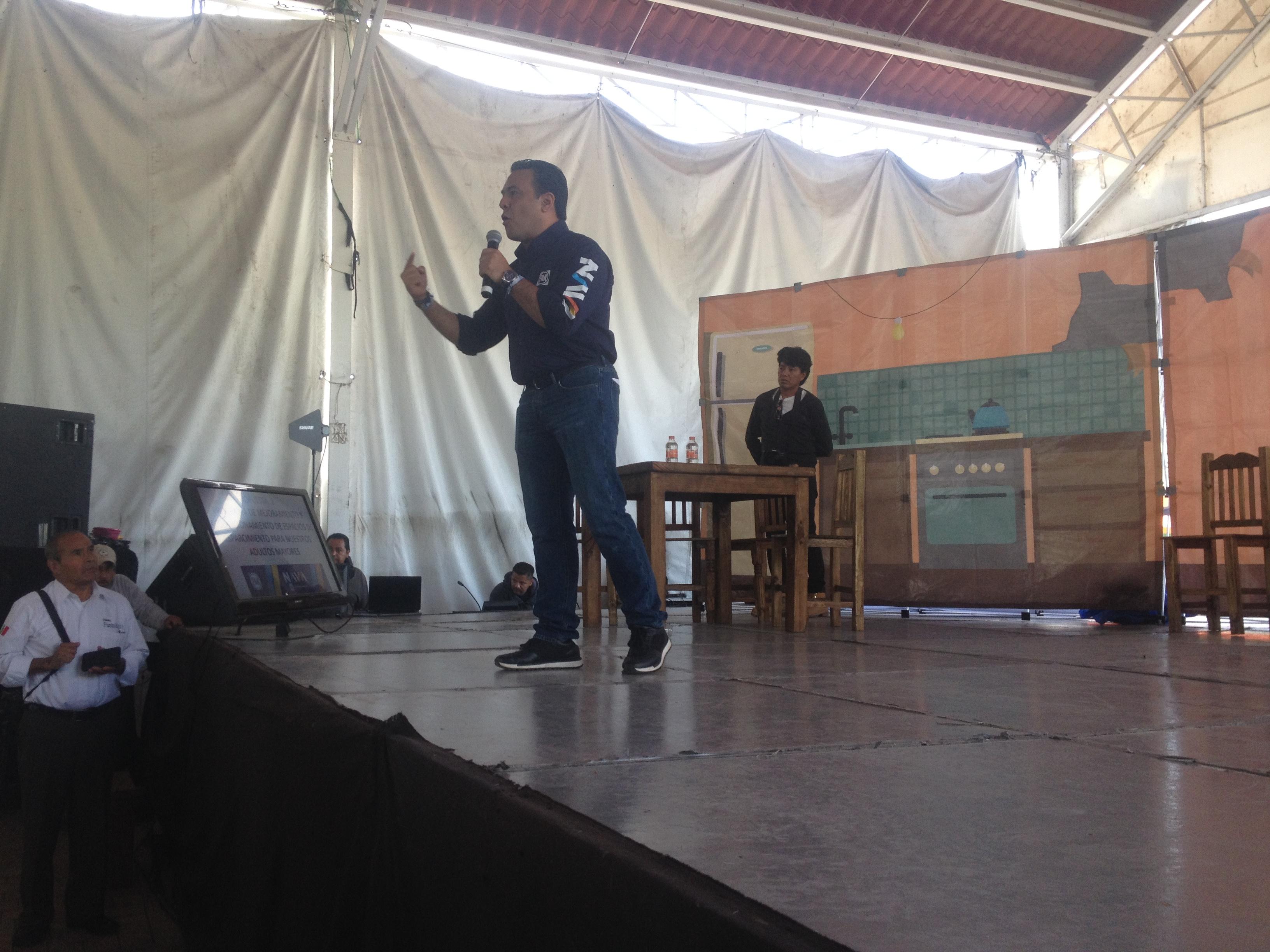 Propone Luis Nava creación de un programa de Barrios Mágicos